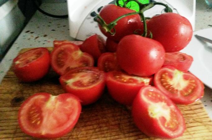 Rallar tomate para catalana,una comida,con Thermomix®
