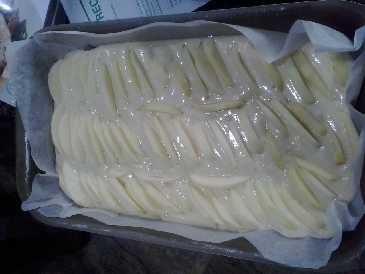 Torta secreta de Yogur y manzana con Thermomix® ( bizcocho)