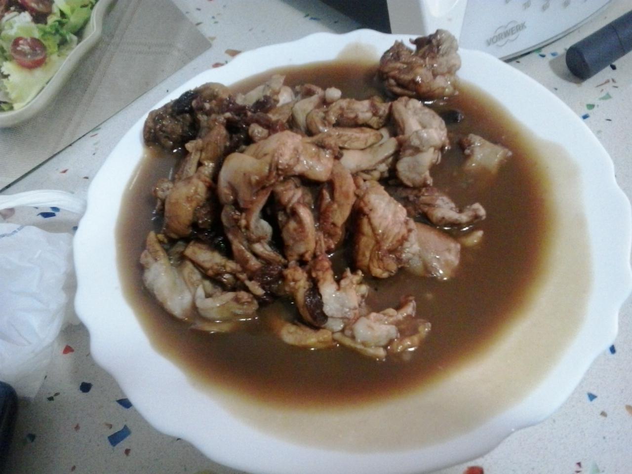 Ensalada templada de pollo, pasas... con Thermomix®